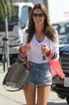 Celebrities Wonder 2697627_alessandra-ambrosio-short-shorts_4.jpg