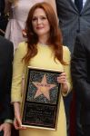 Celebrities Wonder 27051707_julianne-moore-honored-with-a-star_2.jpg