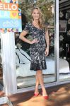 Celebrities Wonder 27616774_molly-sims-Airbnb-Presents-Hello-LA_1.jpg