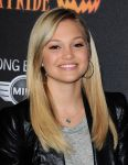 Celebrities Wonder 31291738_Los-Angeles-Haunted-Hayride-opening_Olivia Holt 2.jpg