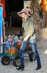 Celebrities Wonder 32204621_ali-larter-mr-bones-pumpkin-patch_3.jpg
