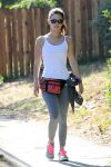 Celebrities Wonder 32668997_rachel-bilson-jogging_2.jpg