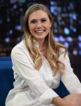 Celebrities Wonder 35798532_elizabeth-olsen-Late-Night-With-Jimmy-Fallon_5.jpg