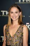 Celebrities Wonder 36760493_natalie-portman-thor-the-dark-world-paris-premiere_6.jpg