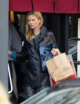 Celebrities Wonder 38457715_kate-moss-husband_5.jpg