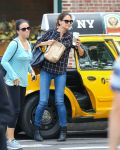 Celebrities Wonder 48142464_katie-holmes-new-york_2.jpg