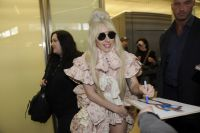 Celebrities Wonder 50248648_lady-gaga-Berlin-Tegel-Airport_8.jpg