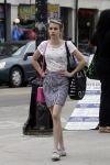 Celebrities Wonder 53535129_emma-roberts-shopping_1.jpg