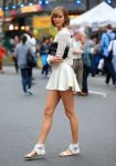 Celebrities Wonder 56970479_karlie-kloss-photoshoot-in-Times-Square_2.jpg