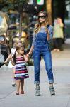Celebrities Wonder 61326648_sarah-jessica-parker-twins_1.jpg