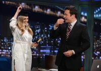 Celebrities Wonder 64175584_elizabeth-olsen-Late-Night-With-Jimmy-Fallon_8.jpg