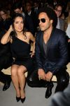 Celebrities Wonder 64462373_salma-hayek-saint-laurent-show-paris_3.jpg