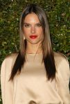 Celebrities Wonder 66433730_chloe-los-angeles-fashion-show_Alessandra Ambrosio 2.jpg