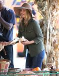 Celebrities Wonder 70679972_ali-larter-mr-bones-pumpkin-patch_7.jpg