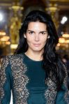 Celebrities Wonder 74485061_stella-mccartney-spring-2014-front-row_Angie Harmon 4.jpg