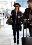 Celebrities Wonder 78615815_jessica-alba-lax-airport_3.jpg