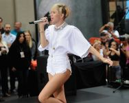 Celebrities Wonder 78708974_miley-cyrus-today-show_7.jpg