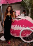 Celebrities Wonder 82322428_vanessa-hudgens-ulta-beauty_2.jpg