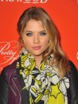 Celebrities Wonder 82381008_Screening-of-Pretty-Little-Liars-Halloween-Episode_Ashley Benson 4.jpg