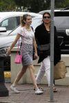 Celebrities Wonder 83004449_emma-roberts-shopping_4.jpg