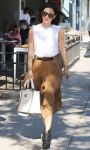 Celebrities Wonder 86980877_rachel-bilson-los-feliz_2.JPG