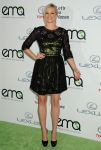 Celebrities Wonder 87784797_2013-Environmental-Media-Awards_Amy Smart 1.JPG
