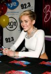 Celebrities Wonder 88143624_miley-cyrus-Bangerz-Record-Release-Signing_6.jpg