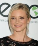 Celebrities Wonder 93639570_2013-Environmental-Media-Awards_Amy Smart 4.JPG
