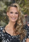 Celebrities Wonder 97109836_molly-sims-Airbnb-Presents-Hello-LA_8.jpg