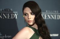 Celebrities Wonder 14063932_michelle-trachtenberg-Killing-Kennedy-premiere_7.JPG