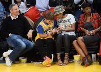 Celebrities Wonder 15558898_rihanna-basketball-game_6.JPG