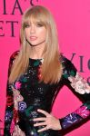 Celebrities Wonder 1574837_2013-Victorias-Secret-Fashion-Show-Pink-Carpet_4.jpg