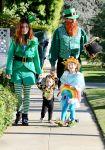 Celebrities Wonder 17161909_alyson-hannigan-family-halloween_5.jpg