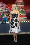 Celebrities Wonder 24231928_gwyneth-paltrow-Launches-Printemps-Christmas-windows_4.jpg