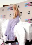 Celebrities Wonder 3318420_lady-gaga-2013-amas-red-carpet_2.jpg