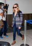 Celebrities Wonder 33773416_reese-witherspoon-lax-airport_5.JPG