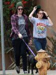 Celebrities Wonder 34113057_kristen-stewart-walking-dog_5.jpg