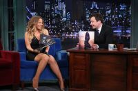 Celebrities Wonder 35063827_mariah-carey-jimmy-fallon_6.jpg