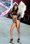 Celebrities Wonder 35669726_2013-Victorias-Secret-Fashion-Show-Runway_Adriana Lima 3.jpg