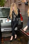 Celebrities Wonder 39327854_avril-lavigne-Katie-Couric-show_1.jpg