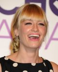 Celebrities Wonder 46246737_Peoples-Choice-Awards-2014-Nominations_Beth Behrs and Kat Dennings 4.JPG