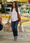 Celebrities Wonder 49637003_minka-kelly-Shopping-at-Whole-Foods_2.jpg