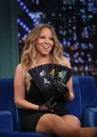 Celebrities Wonder 51834110_mariah-carey-jimmy-fallon_3.jpg