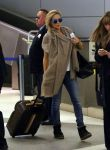Celebrities Wonder 63642227_kate-hudson-lax-airport_1.jpg