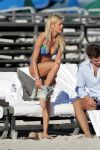 Celebrities Wonder 63918208_tara-reid-bikini_7.jpg