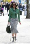 Celebrities Wonder 65244628_olivia-munn-nyc_3.jpg