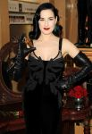 Celebrities Wonder 67156754_dita-von-teese-fragnance_4.jpg