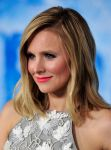 Celebrities Wonder 68865408_kristen-bell-frozen-hollywood-premiere_4.jpg