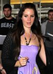 Celebrities Wonder 71246880_lana-del-rey-at-LAX-Airport_7.jpg