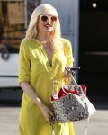 Celebrities Wonder 76300019_pregnant-gwen-stefani_6.jpg